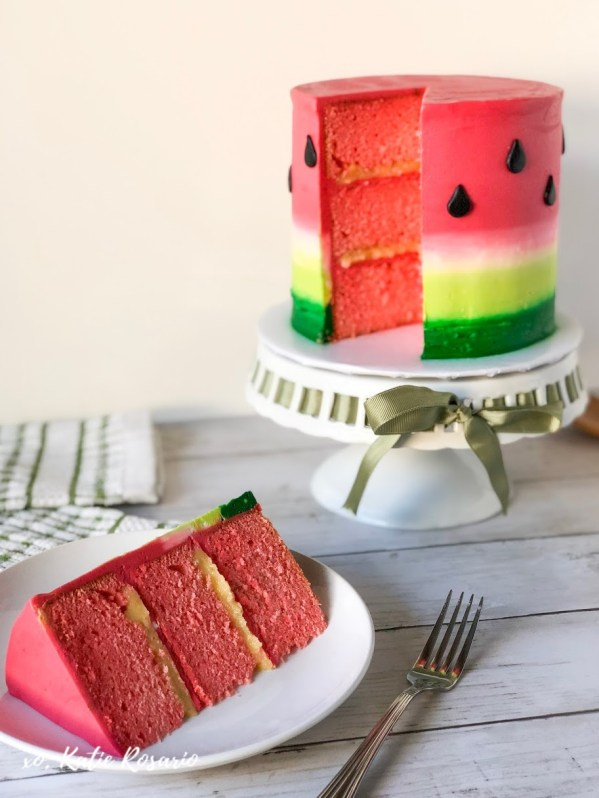 Looking for something fun and sweet this summer, celebrate with this watermelon buttercream cake! It's perfect for a watermelon birthday party or a summer family BBQ! This watermelon cake uses basic buttercream techniques that will help you become a more confident baker. #xokatierosario #watermeloncake #watermelonbirthdaycake #watermelonbuttercreamcake