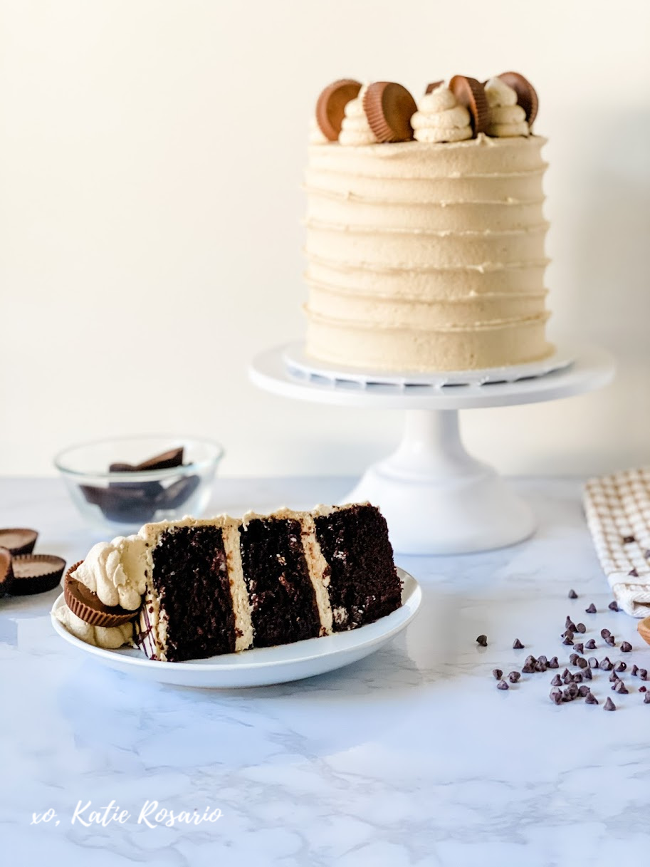 Are you looking for a chocolate peanut butter cake that everyone will love? You'll find this chocolate cake recipe that's insanely delicious. Learn how to make a rich and decadent chocolate peanut buttercream cake that any beginner baker can seriously make. #xokatierosario #chocolatecake #peanutbuttercake #chocolatepeanutbutter #cakedecoratingtips