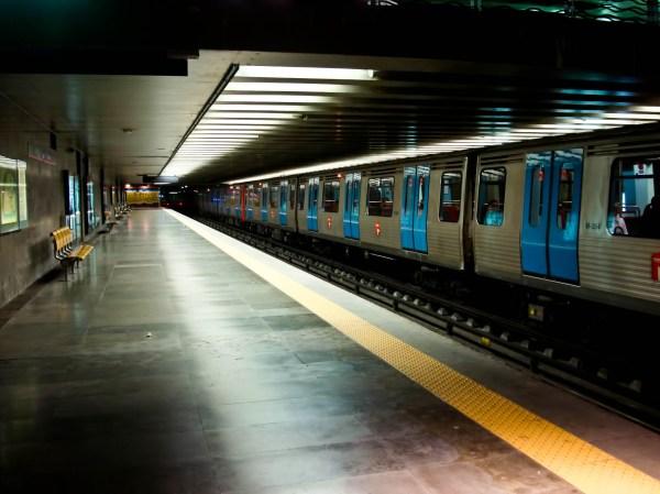 Обои Лиссабон скачать для рабочего стола, фото метро