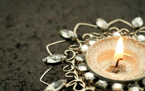 Картинки свеча скачать на рабочий стол, заставки подсвешник