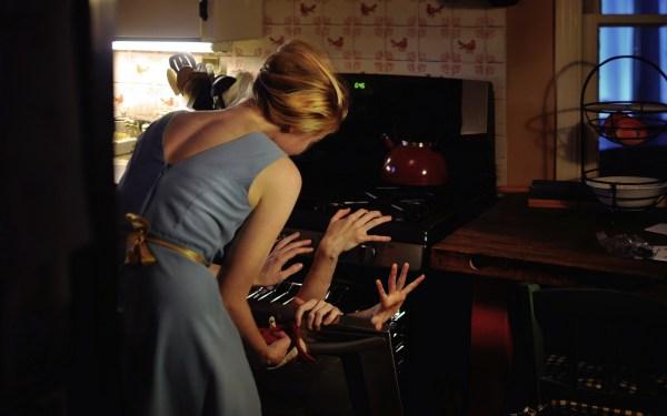 Картинки девушка скачать для рабочего стола, фото кухня