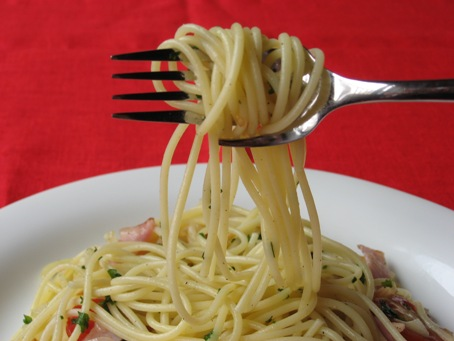 Calamete fork makes eatting spaghetti easy