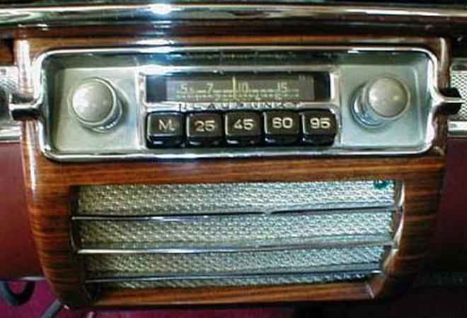 20150526XD-Radio_06_1930sCarRadio