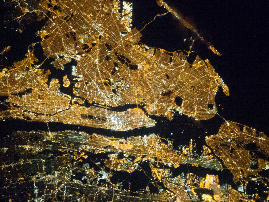20130402XD-NASA-NYCatNight