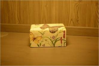 Herbaciarka a'la Motyl, z dwiema komorami na różne smaki. 15.5 cm x 9.5 cm x 8 cm