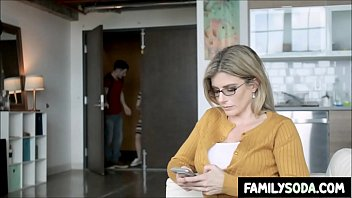 Girlfriend watches her BF fucking his Mom