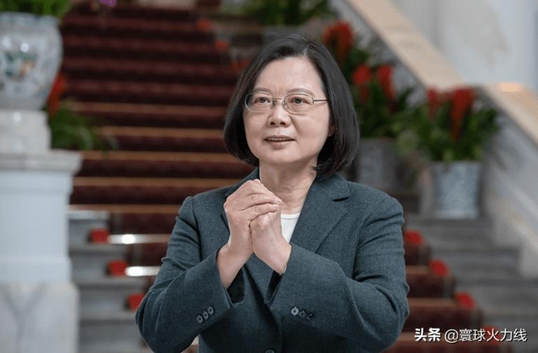 葡萄酒被征税后,澳高官气急败坏放狠话,强硬没几天又找中国求和