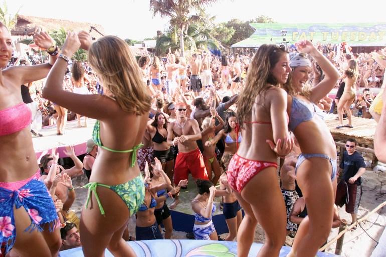 H&M现状惨了!利润直线暴跌,裁员上万,全球3000家店关闭