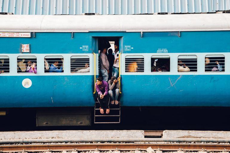"""""""美""""不聊生?美国人均收入暴跌13%,物价却涨至29年来最高"""