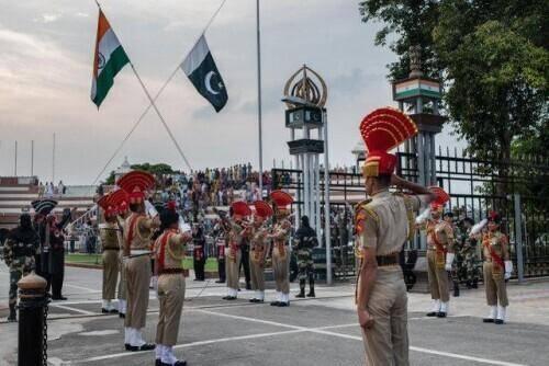 """拜登卸磨杀驴,公然对盟友""""开刀"""",英国最惨"""