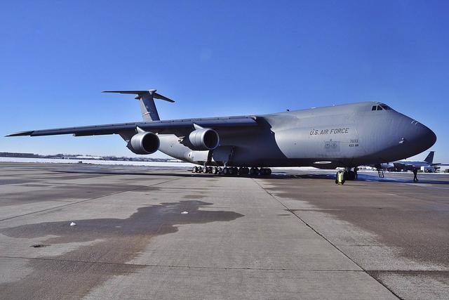意外反弹,美国6月零售销售额增长0.6%!当月大买3040亿中国商品