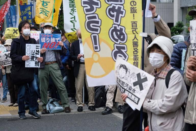 解放军舰队战巡北美,敲打美国也警告加拿大,伸手太长要付出代价