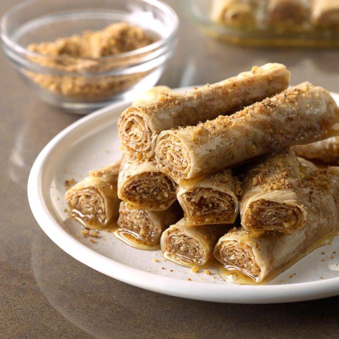 Ρολάκια με μέλι και καρύδια