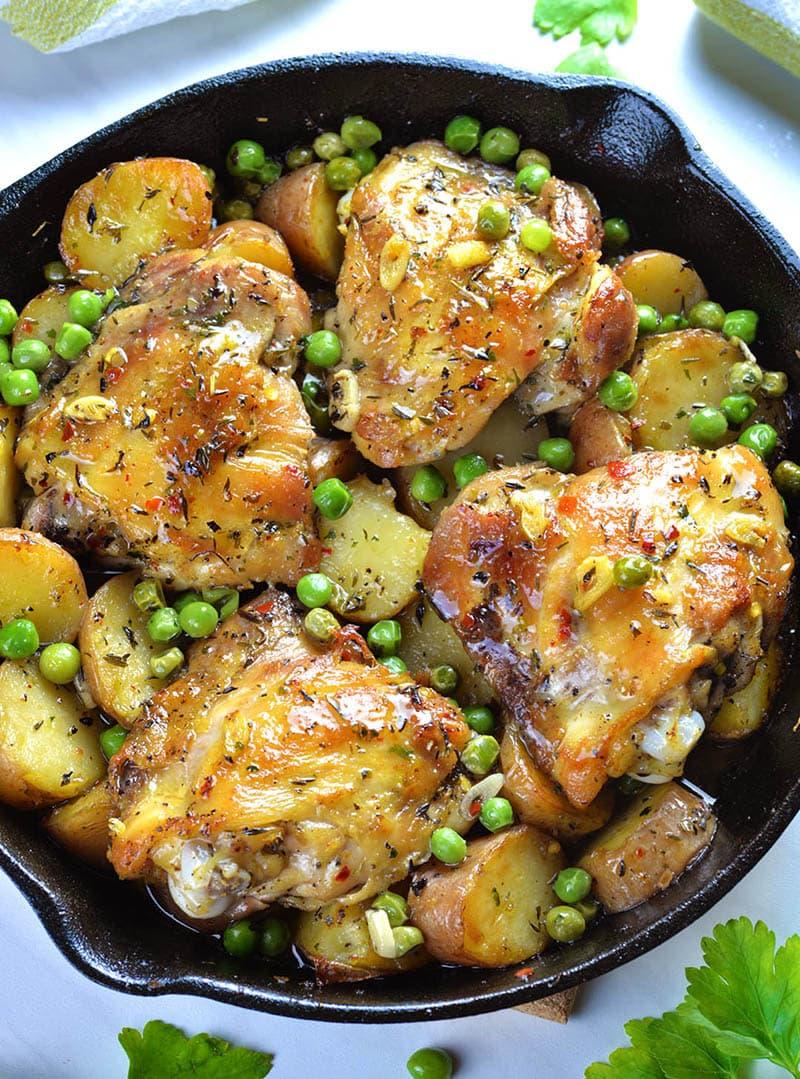 κοτόπουλο στο φούρνο με αρακά και πατάτες