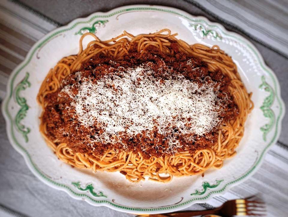 Μακαρόνια με σάλτσα Κιμά