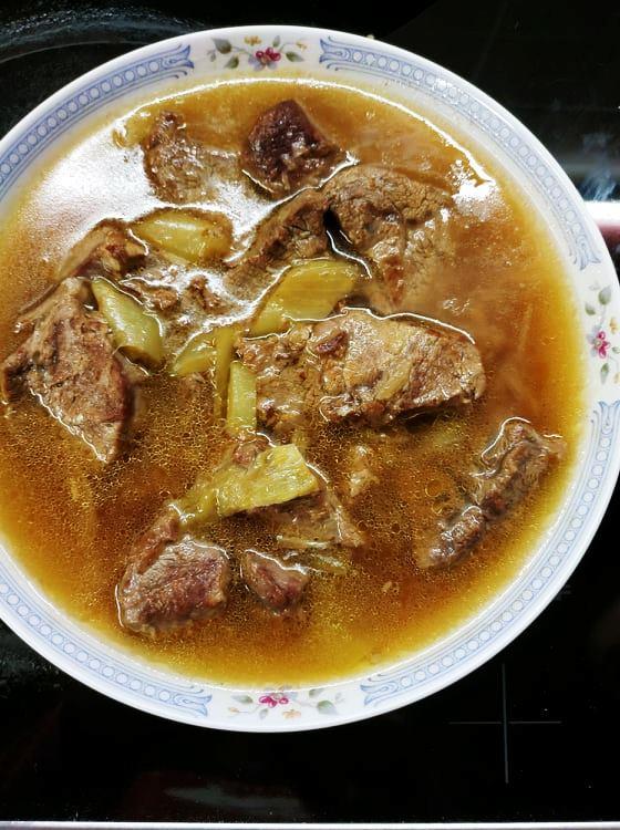 Κρέας μοσχαρίσιο με λεμόνι και πιπεριές
