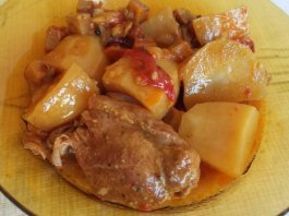 Χοιρινό Κότσι με λαχανικά στο φούρνο