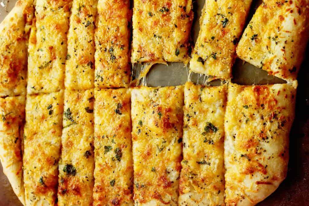 Ψωμάκια σκόρδου με τυριά