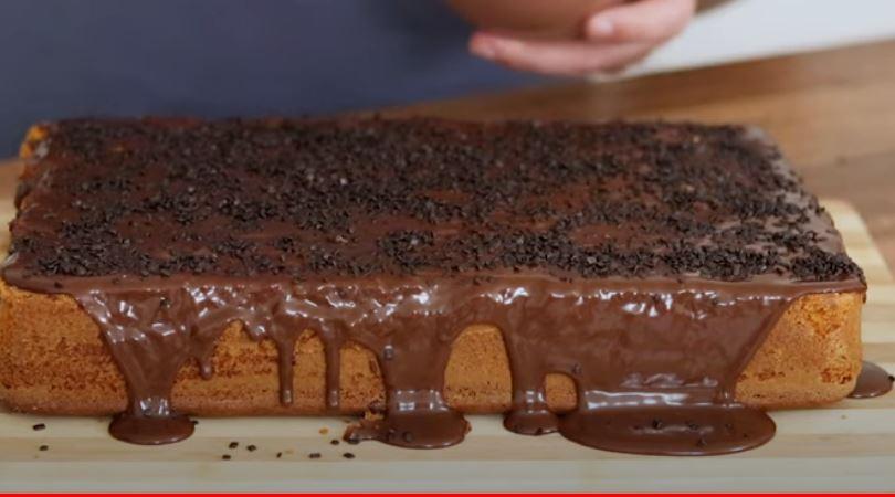 Γεμιστό Κέικ Καρότου με σοκολάτα