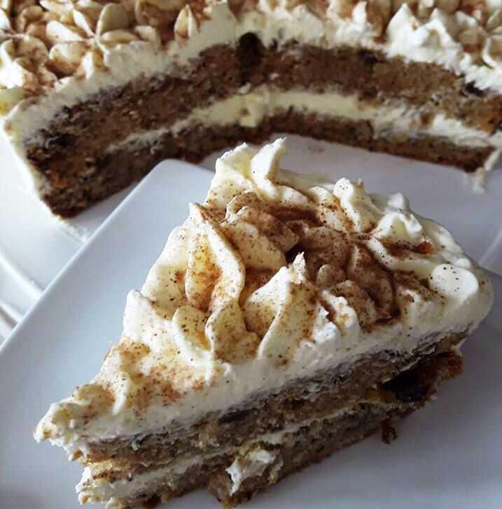 Κέικ καρότου με σαντιγί