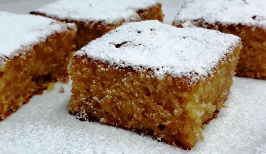 Κέικι με μαρμελάδα και σιμιγδάλι