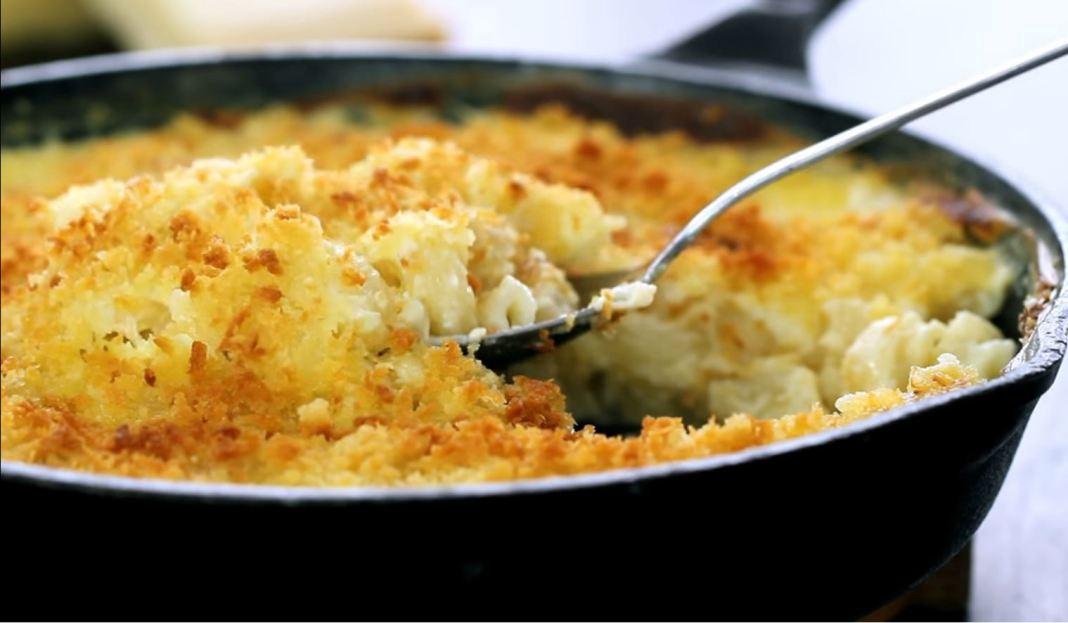 Μακαρόνια με τυριά στο φουρνο