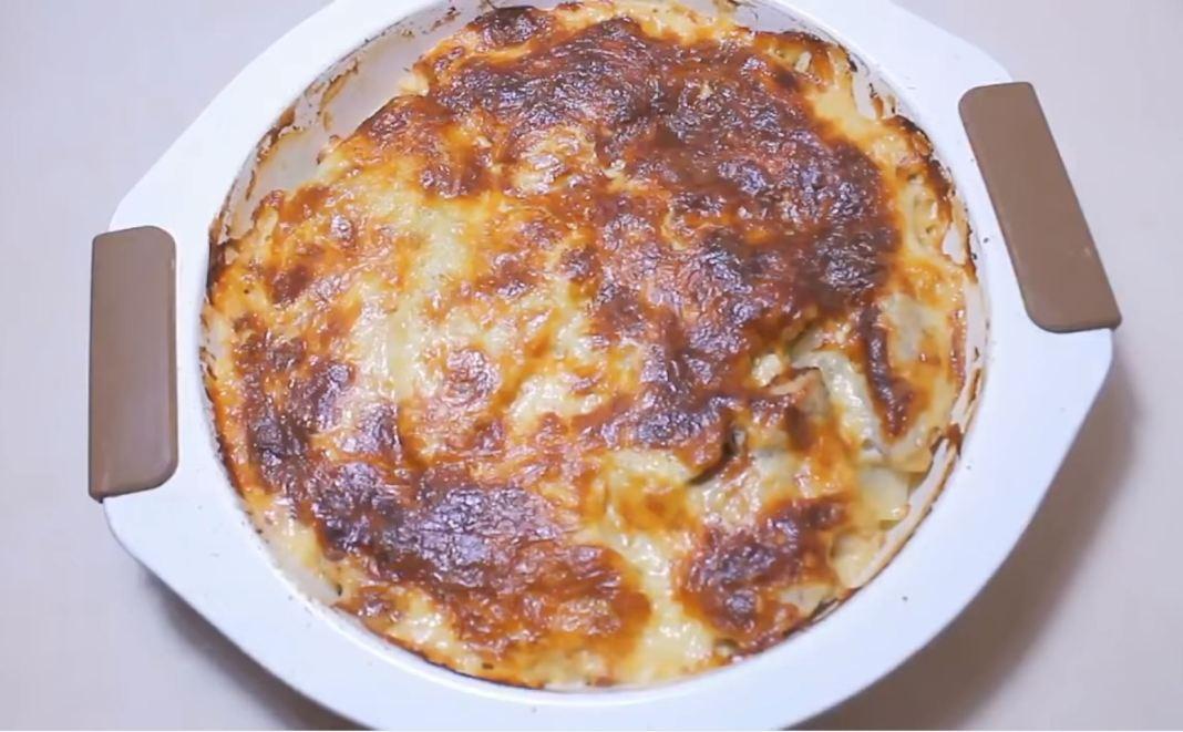 Γαλοπούλα με πατάτες και κρεμμύδια
