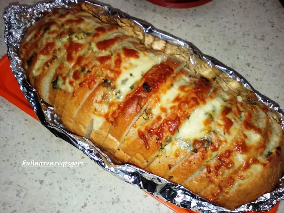 Κάντε το μπαγιάτικο ψωμί ένα Υπέροχο Σκορδόψωμο - Η Μαγειρική ανήκει σε όλους
