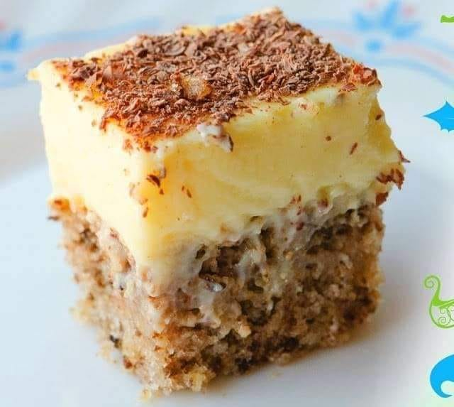 Κέικ με καρύδι και κρέμα πατισερί