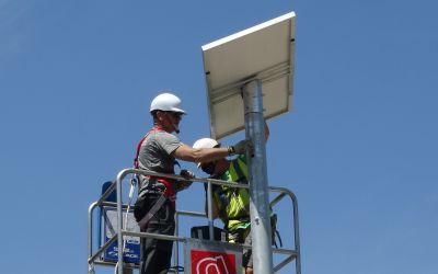 L'Ajuntament de Xàtiva col·loca 19 fanals solars a vies i encreuaments de Bixquert i el Carraixet