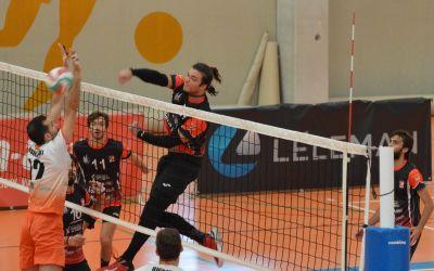 El Familycash Xàtiva Voleibol masculí guanya en la pista del València per 1-3
