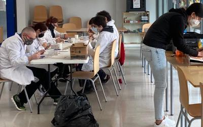 """L'EOI de Xàtiva cedeix espais per al programa """"IAraQuè"""" d'ASPROMIVISE"""