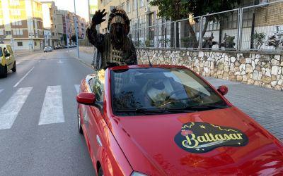 La cavalcada de Reis Mags de Xàtiva va comptar amb escorta policial