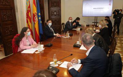 Ximo Puig anuncia la reobertura, amb limitacions, de l'hostaleria en interiors i de les instal·lacions esportives