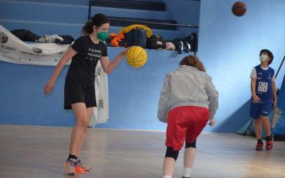 Maria Pina guanya l'Eurocup en la setmana del seu campus al Genovés