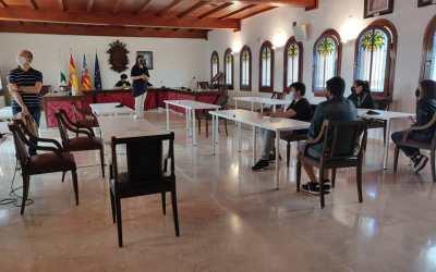 L'alumnat del Programa d'Aula Compartida de l'IES Francesc Gil visita també l'Ajuntament de Canals