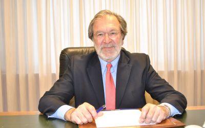 Antonio Carbonell cessa com a president de Caixa Ontinyent