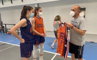 El cadet femení A de la Fundació Valencia Basket s'entrena a La Llosa de Ranes