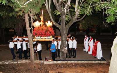 L'Alcúdia de Crespins finalitza l'edició especial de les Festes Majors amb el trasllat del Crist