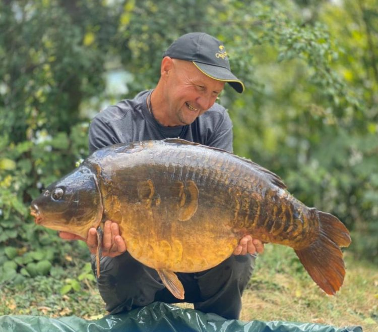 ian russell north lake mirror 42lb