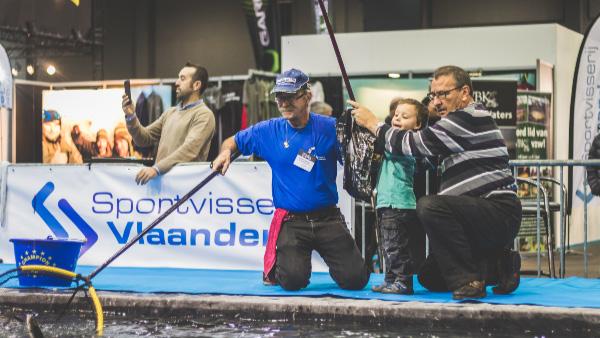 Tal van activiteiten te vinden voor jong en minder jong op de stand van Sportvisserij Vlaanderen.