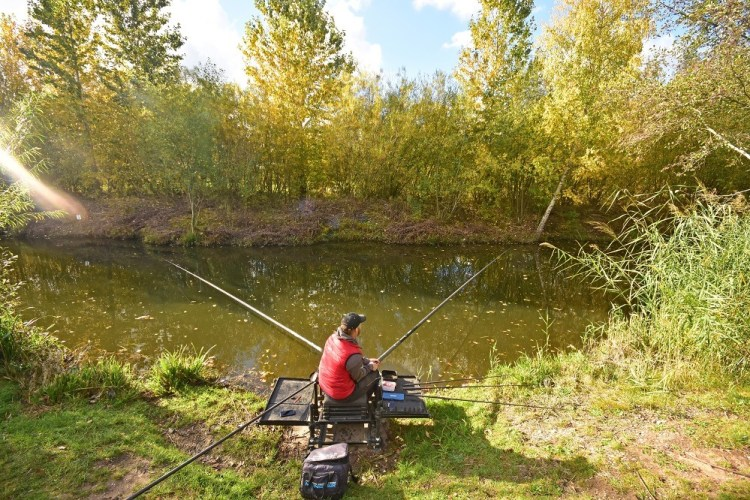 rob likes to fish two lines when fishing commercials in autumn
