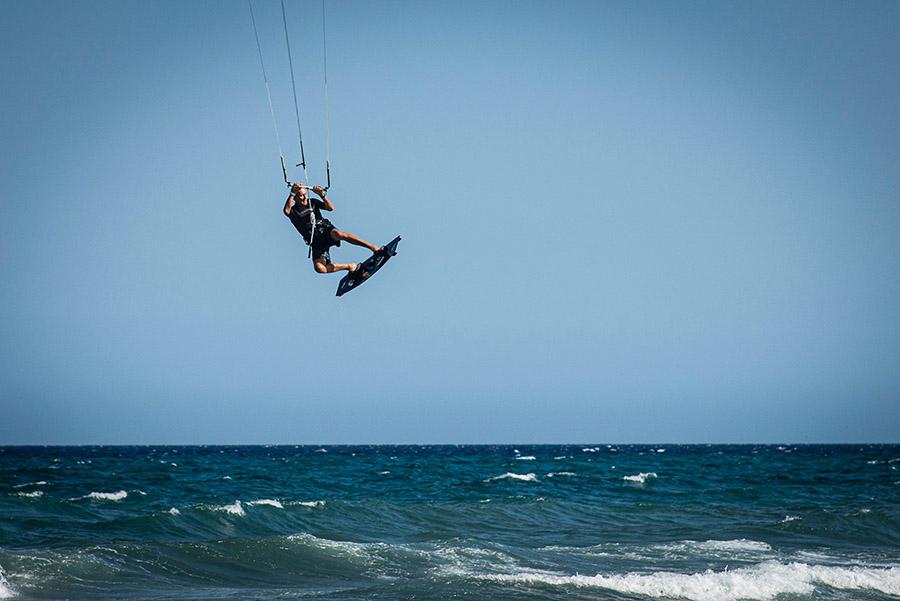 kitesurfing-jump
