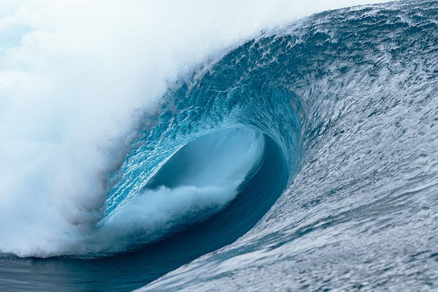 Surfing Wave