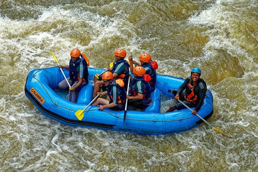 What to wear white water rafting - guide