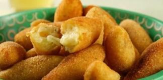 Receita de Bolinho de mandioca com queijo e ervas