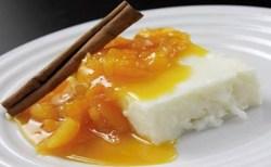 Receita de Manjar de tapioca com calda de damasco
