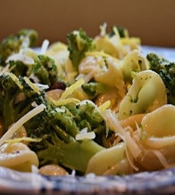 Receita de Orecchiette com anchova e brócolis