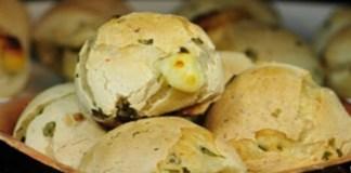 Receita de Pão de Queijo Proteico com Agrião Picadinho