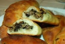 Receita de Pirozhki pastel de forno Russo